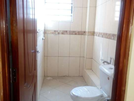 3 bedroom apartment for rent in Syokimau image 8