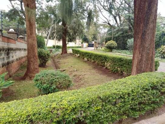 5 bedroom house for rent in Kileleshwa image 8