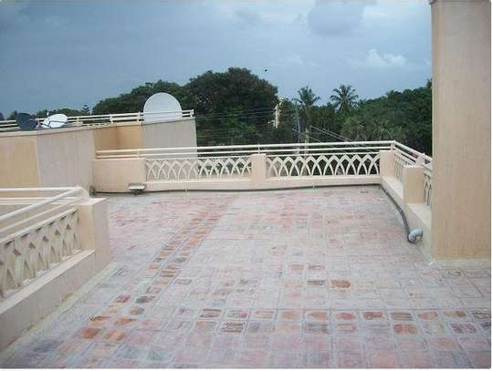 3br newly built apartment for rent in Nyali ID1479 image 2