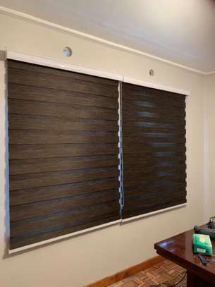 HIGH QUALITY OFFICE BLINDS image 6