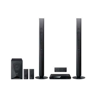 SONY DZ650 DVD HOME THEATER SYSTEM – 5.1 CHANNEL – 2 TALL BOYS SPEAKERS – 3 SATELLITE SPEAKERS image 1