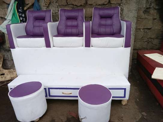 Pedicure seats image 2
