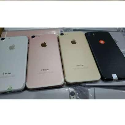 Apple iphone 7 32gb - Refurbished image 1