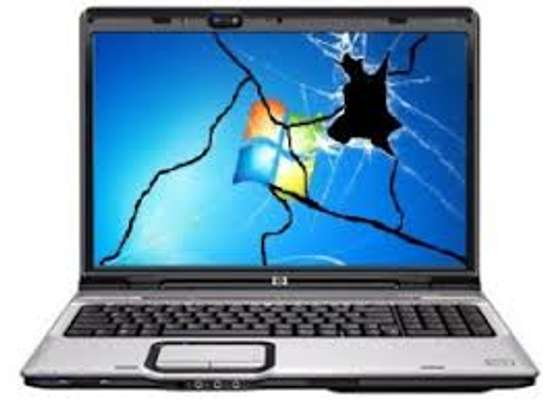 proffecional laptop screen repair and meintenance image 1