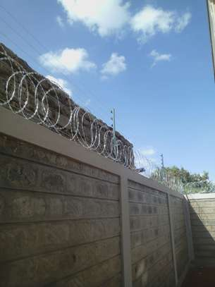 electric fence Installation in kenya & Razor wire supply and installation in Kenya,Electric Fence & Razor Wire Supply and Installation in kenya Materials services image 10