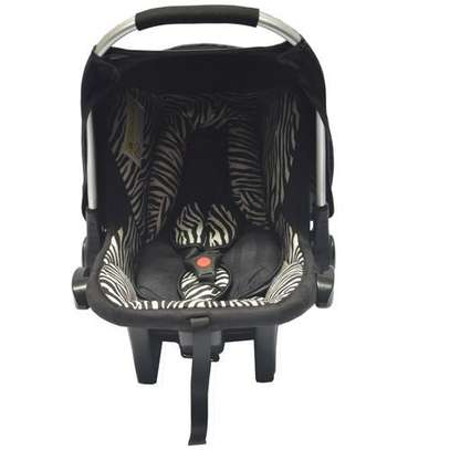Babies Collection Autop Carry Cot- Black And White (big)