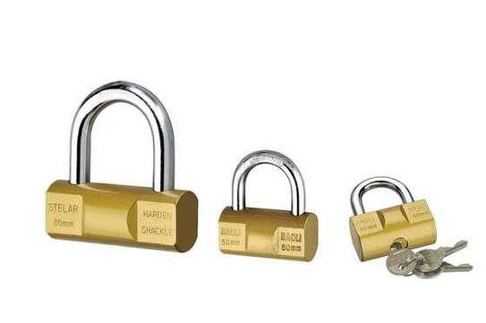 Stelar top security padlock image 1