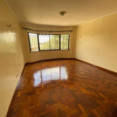 Smart and clean 3 bedroom apartment all ensuite image 6