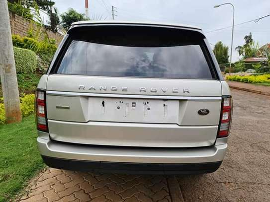 Land Rover Range Rover image 2