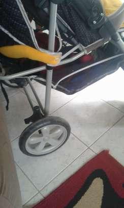 stroller image 3