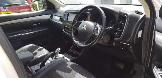 Mitsubishi Outlander image 9