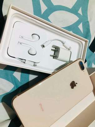 Apple Iphone 8 Plus  : 256 Gb & Iwatch Series 3 ( gps and cellular version ) image 2