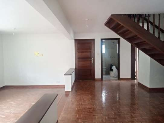 4 bedroom townhouse for rent in Kilimani image 4
