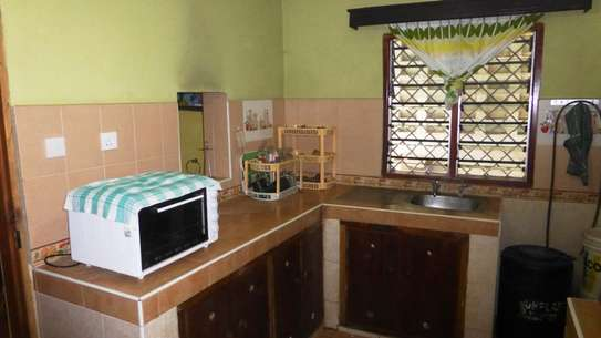 2 Bedroom HOUSE  FOR RENT image 3