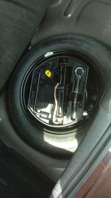 Peugeot 208 E-HDI image 6