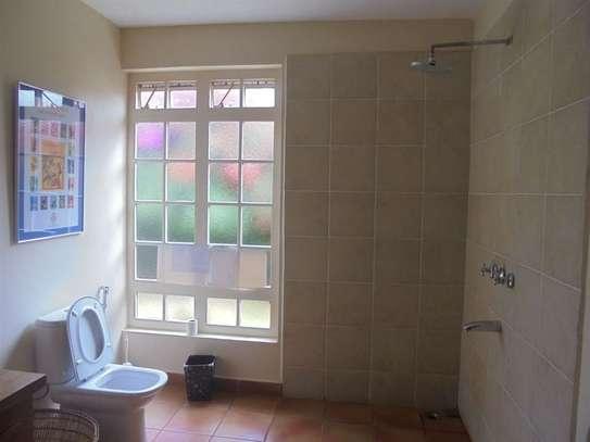 Furnished 3 bedroom villa for rent in Runda image 16