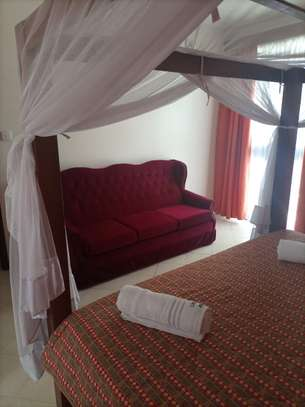 3 br fully furnished apartment to let in Nyali- Shikara Apartment. Id no AR22 image 5