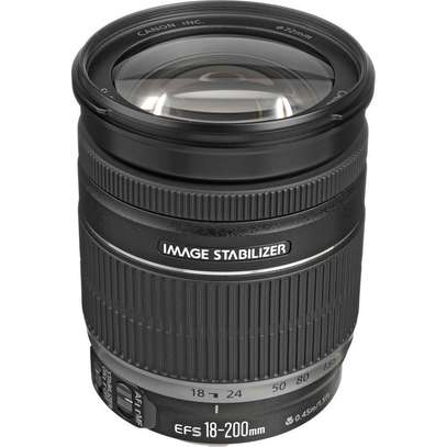 Canon EF-S 18-200mm Lens image 1
