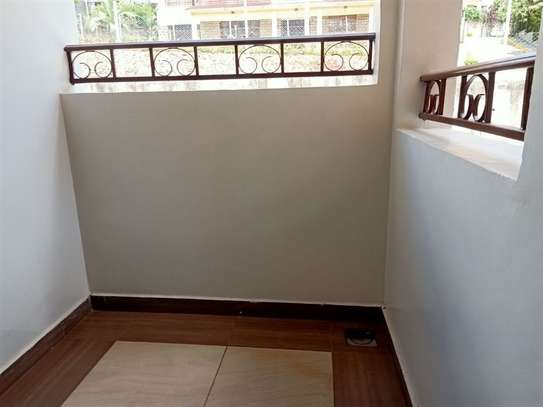 4 bedroom house for rent in Rosslyn image 16