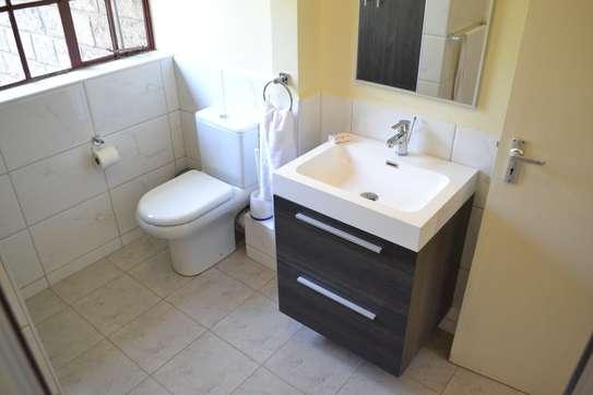 2 bedroom apartment for rent in Westlands Area image 2