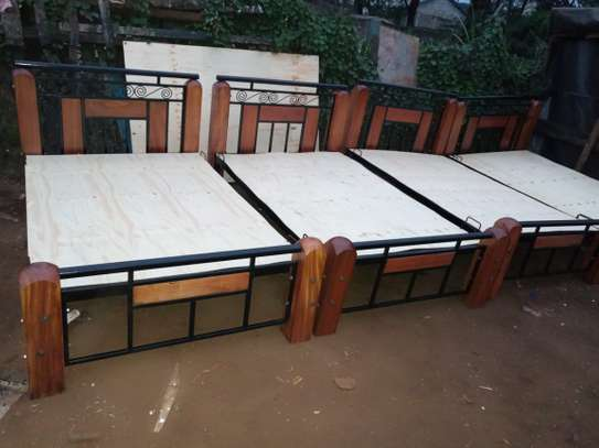 4 by 6 Metal And Wood Bed