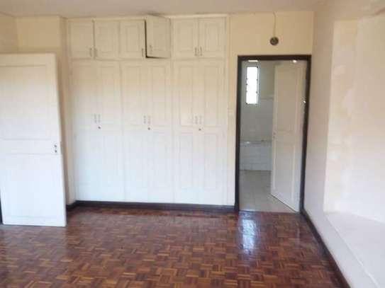 Lavington - Flat & Apartment image 7