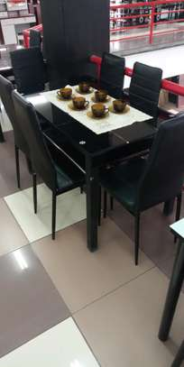 Dining table tw