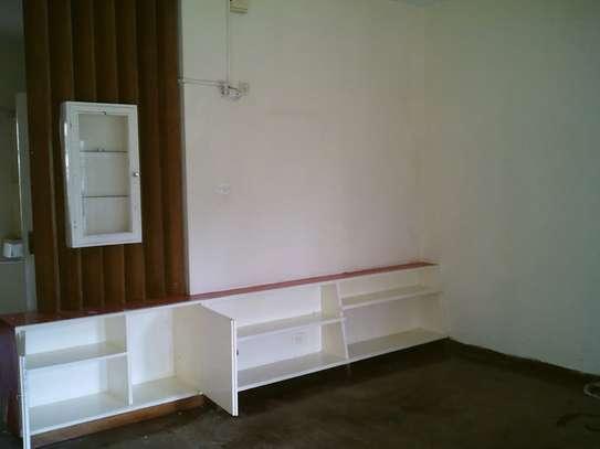 Lovely & Unique Spacious 2 Bedrooms Flat In Westlands Rhapta Road image 3