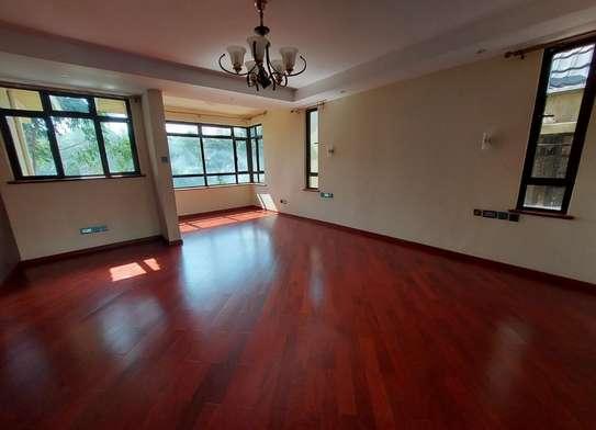 5 bedroom villa for rent in Lavington image 9