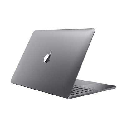 Apple Macbook pro 2017 core i7 16gb 256gb 15 image 1