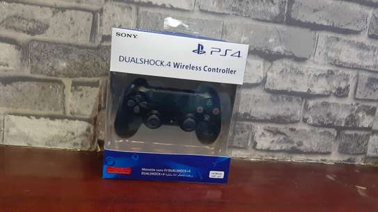 PS4 CONTROLLER (PAD)