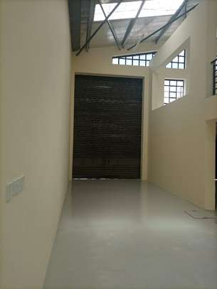 3000 ft² warehouse for rent in Mlolongo image 5