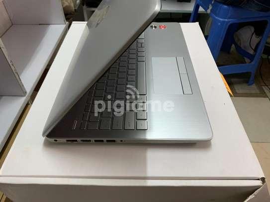 HP NOTEBOOK 15 DB0XXX 2.5 GHz AMD Ryzen 3 image 3