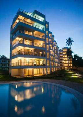 3br executive beach penthouse apartment for rent in Bamburi Beach. 2430 image 8