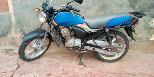 Honda CB 125 image 1