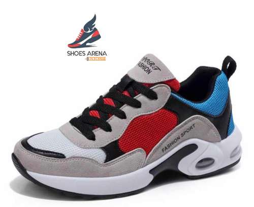 Casual sport shoes image 3