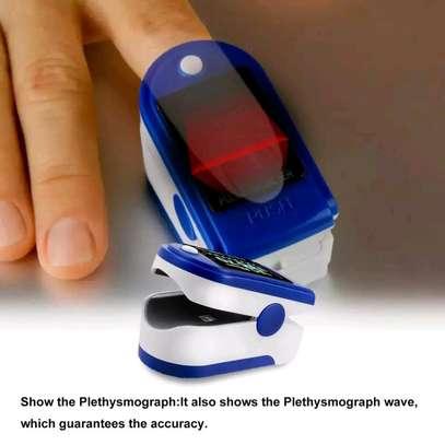 Fingertip Pulse Oximeter image 3