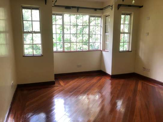 5 bedroom townhouse for rent in Rosslyn image 2