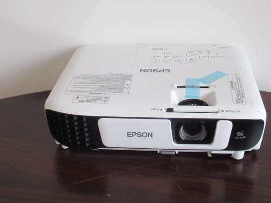 PROJECTOR FOR HIRE image 1
