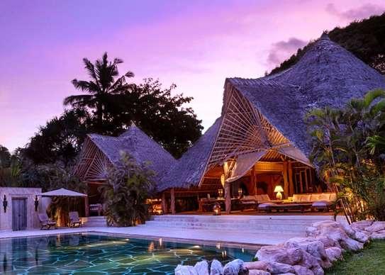 Furnished 10 bedroom villa for sale in Diani image 9