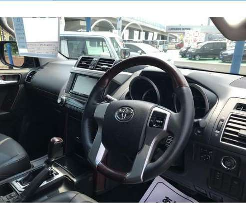 Toyota Land Cruiser Prado TX-L image 3