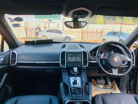 Porsche Cayenne image 11