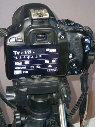 Canon 100d image 2