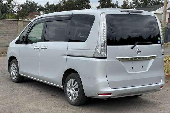 Nissan Serena 2.0 Excursion image 5