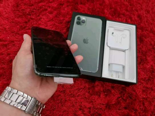 Apple Iphone 11 Pro Max 512 Gigabytes image 2