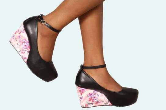 Ladies wedge shoes image 1