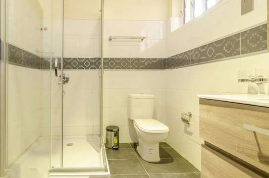 Furnished 2 bedroom house for rent in Runda image 6