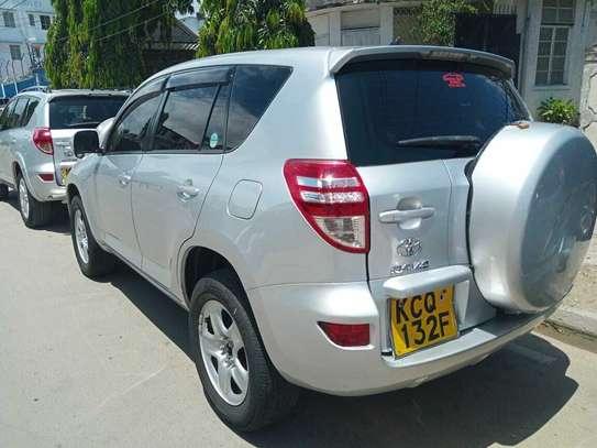 Toyota RAV4 image 7