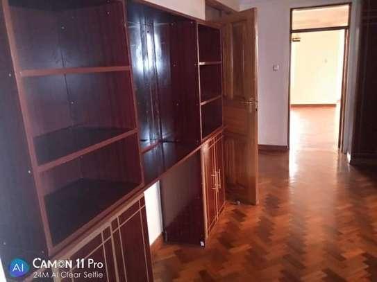 TO LET: NYARI ESTATE 5 BEDROOMS MANSION image 15