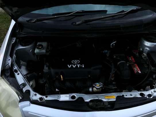 Toyota IST image 6